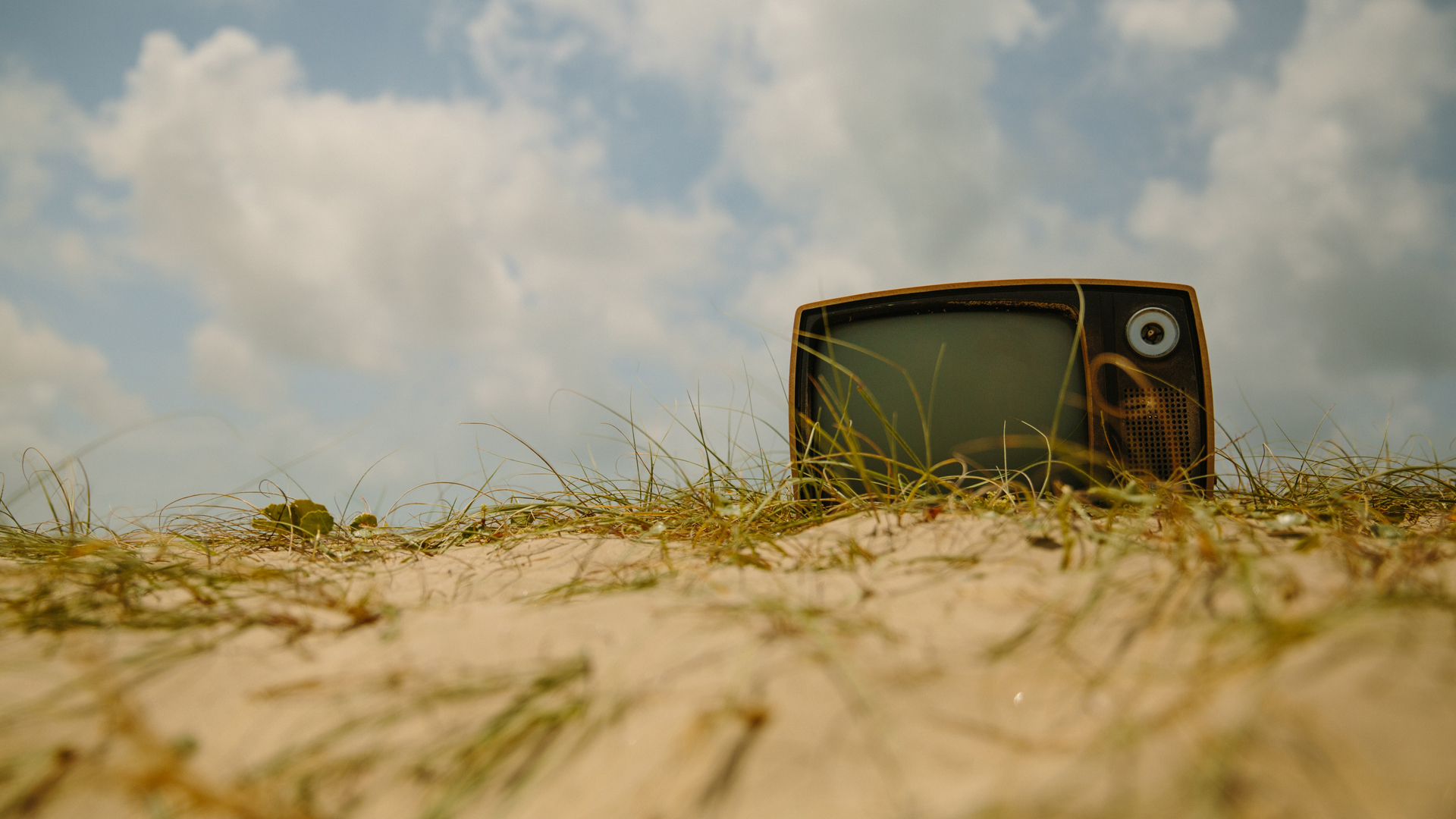 Como la tele: informar, formar y entretener